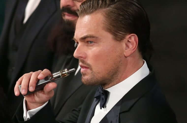 Leo DiCaprio vaping at SAG awards